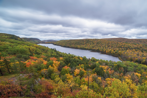 Autumn Lake of the Clouds
